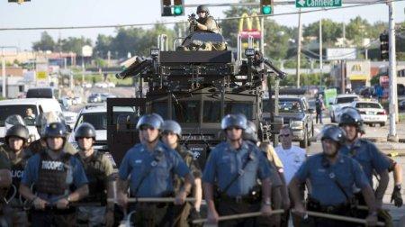 ferguson_police_weapons_wide-834211f639659da37848f9b99f7644dbf55a0fc1_t700